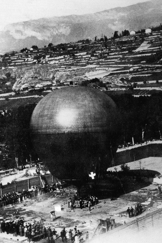 Sitten, 3. Oktober 1898,  Start des Ballons «Wega»